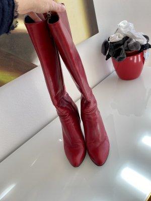 Prada Botas con tacón rojo oscuro