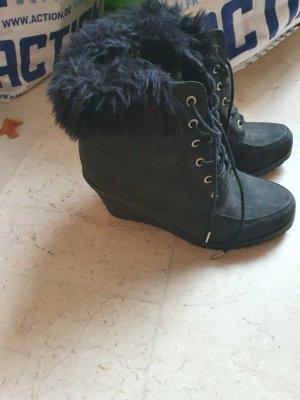 Stiefel, Sportschuhe, Sandaletten