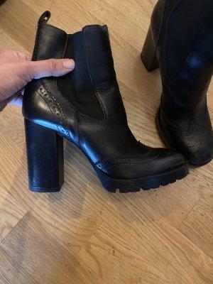 Stiefel Stiefelette 39 Leder schwarz