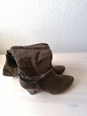 Marco Tozzi Botas con tacón marrón oscuro