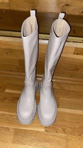 Zara Obcasy na platformie w kolorze białej wełny