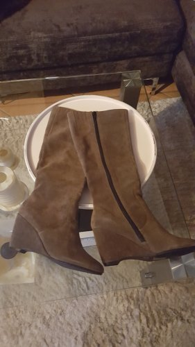 Botas con plataforma marrón