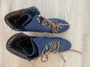 Stiefel zum schnüren
