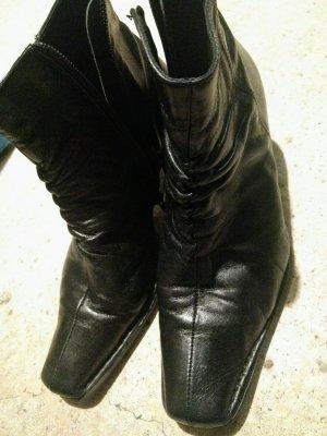 Bama Zipper Booties black leather