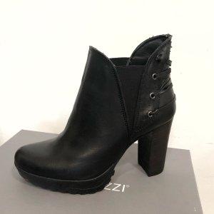Stiefelette schwarz 36