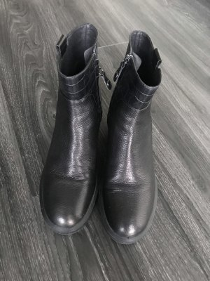 Stiefelette von Geox  in Gr 39 schwarz
