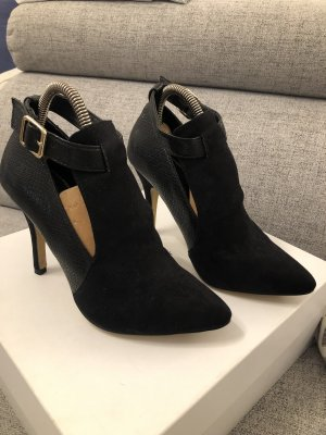 Suiteblanco Cut Out Booties black