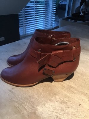Marc Jacobs Slip-on Booties brown red leather