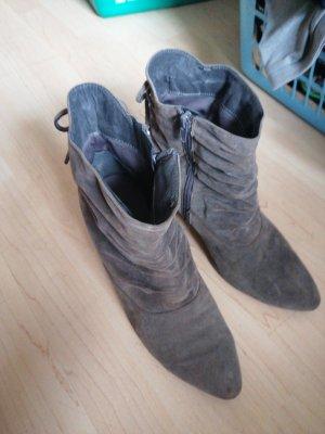Deichmann Zipper Booties dark grey
