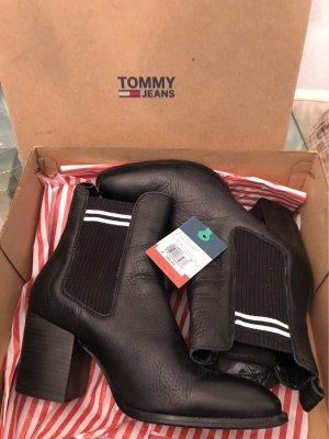Tommy Hilfiger Slip-on Booties black-white