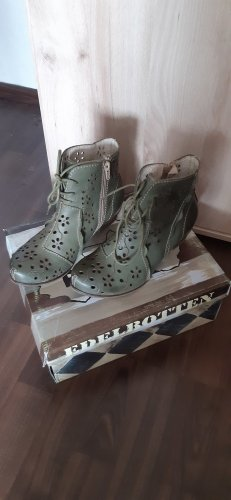 Rovers Cut Out Booties olive green