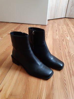 H&M Zipper Booties black