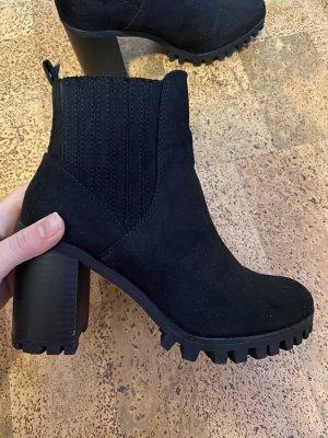 Bershka Winter Booties black