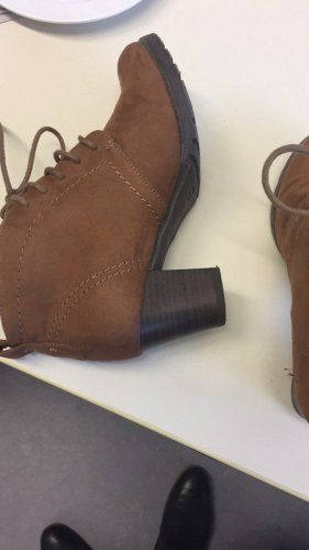 Deichmann Patucos con cordones marrón-ocre