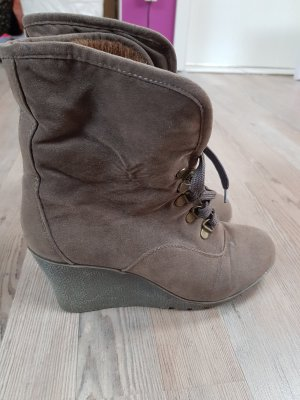 Buffalo girl Wedge Booties taupe