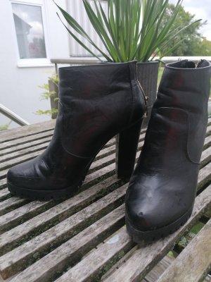 Graceland Zipper Booties black