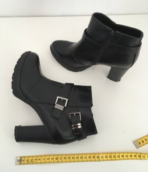 Zipper Booties black-silver-colored
