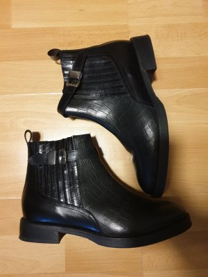 Akira Zipper Booties black-silver-colored
