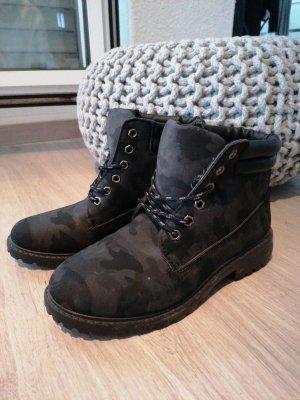 Stiefeletten / Boots mit leichtem Camouflage Muster