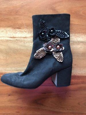 Stiefeletten Boots Stiefel mit Blumenapplikation