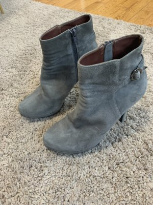 Buffalo London Cut Out Booties grey