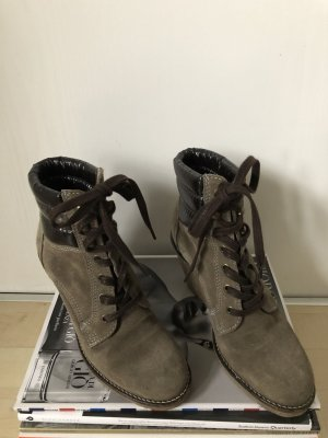 Buffalo Wedge Booties grey brown-taupe suede