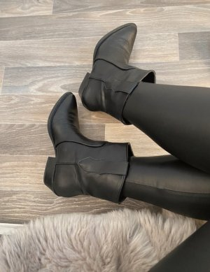 Bershka Western Booties black