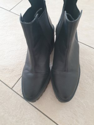 H&M Divided Slip-on Booties black