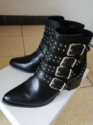 5th Avenue Zipper Booties black leather