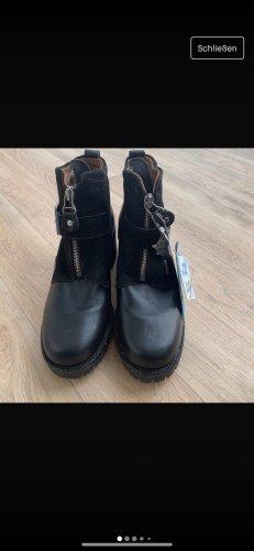keine Wedge Booties black