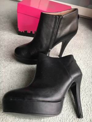 Sex and the City Platform Booties black leather