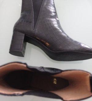 H&M Bottine à talon compensé noir