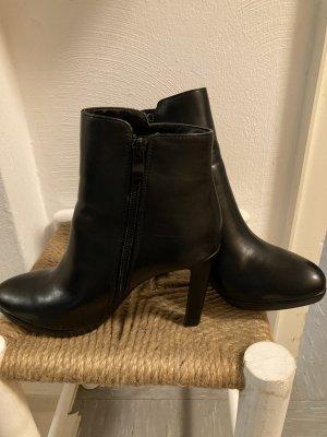 Stiefeletten High Heels Ankle Boots von Buffalo Gr. 38 schwarz Plateau