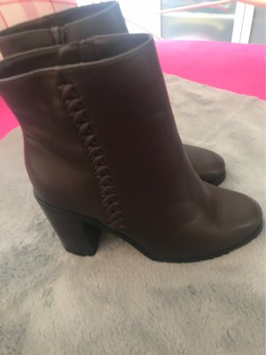 Anna Field Zipper Booties brown