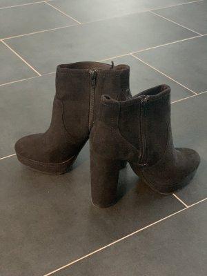Stiefeletten, schwarz, Größe 38