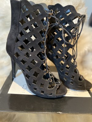 Tulipano Cut Out Booties black