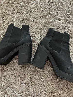 H&M Divided Platform Booties black
