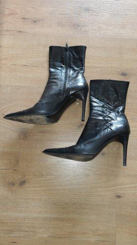 Vero Cuoio Peep Toe Booties black leather