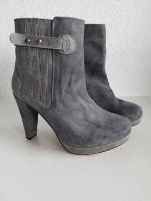 Platform Booties grey