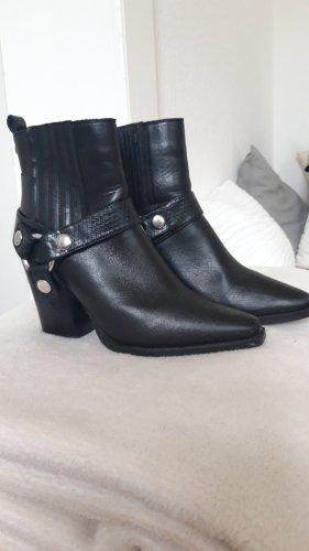 Steve Madden Slip-on Booties black