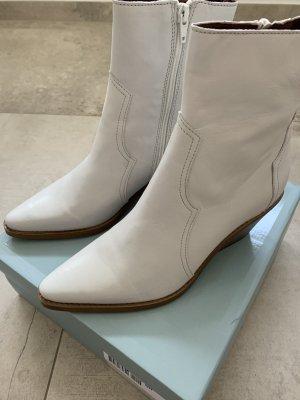Stiefelletten Cowboy Style