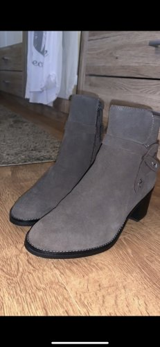5 th Avenue Platform Booties grey