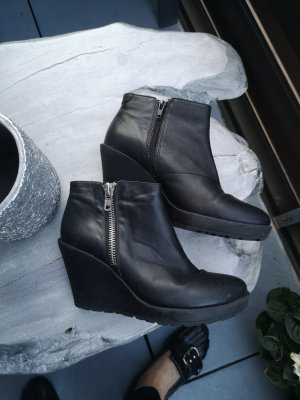 Vagabond Wedge Booties black-silver-colored