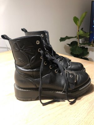 Zara Basic Botas con cordones negro-color plata