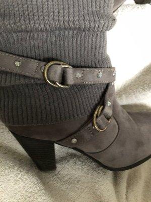 Botas estilo vaquero gris