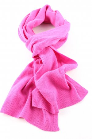 Stile Benetton Bufanda de lana rosa look casual