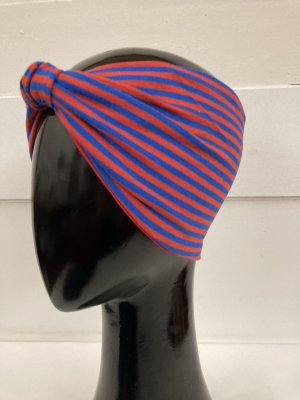 Chapeau en tissu bleu-rouge