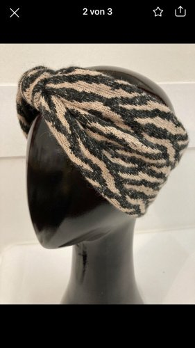 Knitted Hat black-rose-gold-coloured