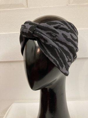 Chapeau en tissu noir-gris