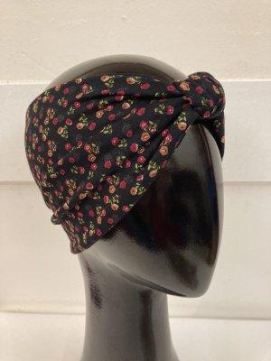 Cappello in tessuto rosso-nero